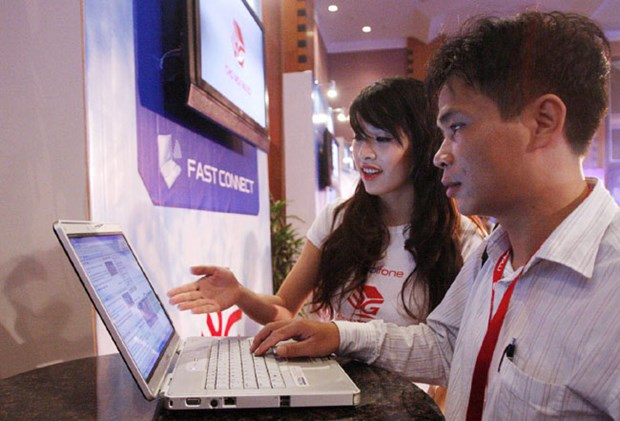 Vietnam's telecom sector sees growth hinh anh 1