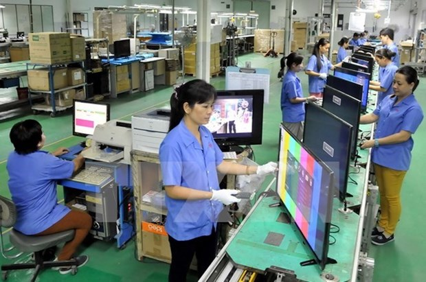 Improving education-training key to labour productivity: Deputy PM hinh anh 1