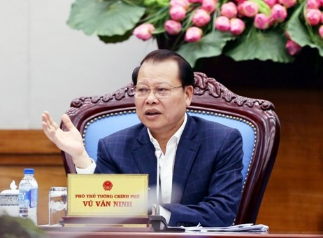 Deputy PM wants ministries to minimise stakes in SOEs hinh anh 1