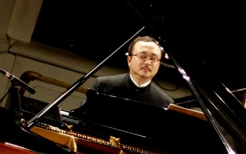 Pianist Dang Thai Son to perform love concerto hinh anh 1