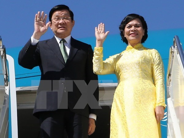 President arrives in Tanzania for State visit hinh anh 1