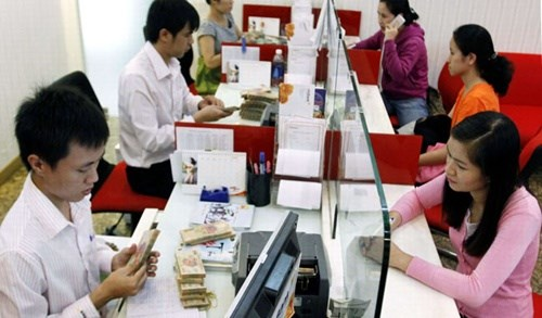 Banks sell non-performing loans to reduce bad debt hinh anh 1