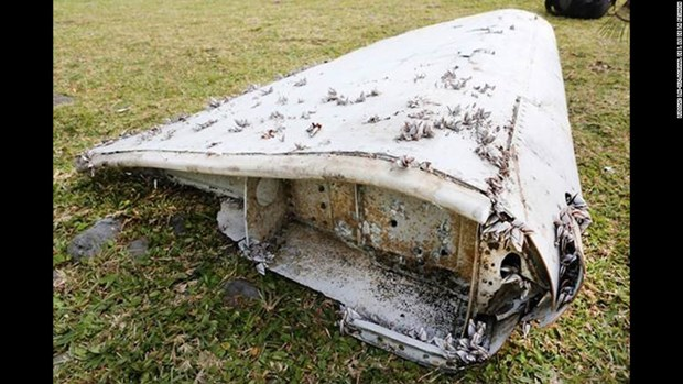 Suspected MH370 debris found in Mozambique delivered to Malaysia hinh anh 1