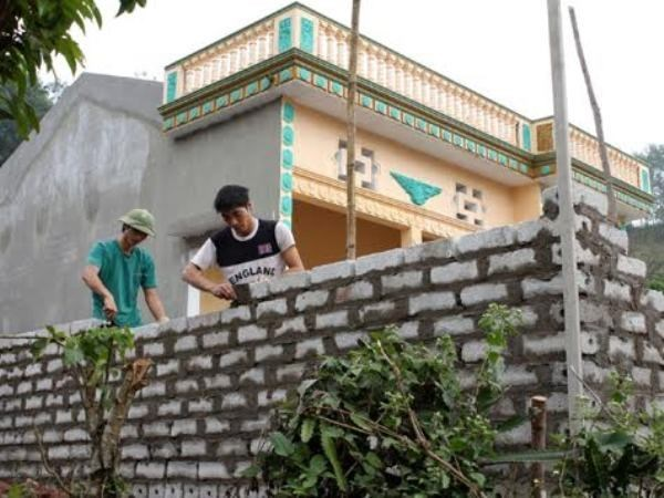 Hau Giang provides housing support for poor people hinh anh 1