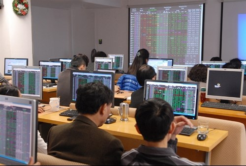 VN stocks gain ground on diary boost hinh anh 1