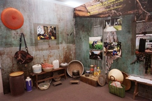 Exhibition highlights women's role in disasters hinh anh 1