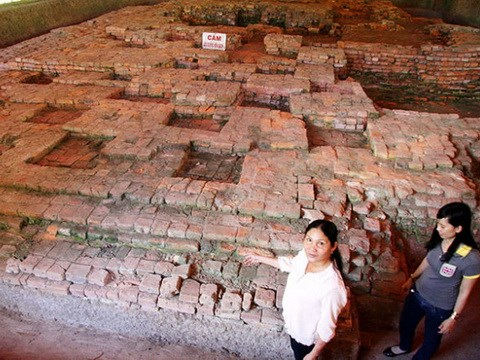 More architectural works and objects found in Go Thap hinh anh 1