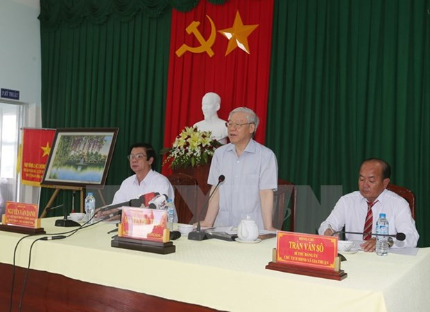 Party chief orders drastic fight against drought in Tien Giang hinh anh 1