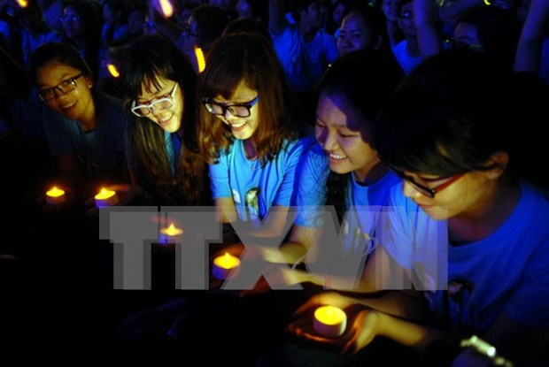 Hanoi hosts various activities during Earth Hour hinh anh 1