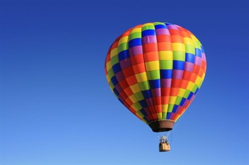 Hot air balloon show coming to Hue Festival hinh anh 1
