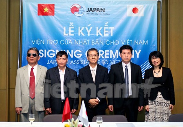 Japan funds Vietnam's transport and education projects hinh anh 1