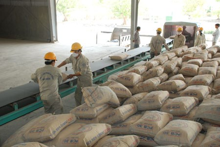 Cement firms face hard competition hinh anh 1
