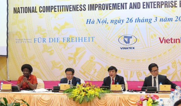 Workshop seeks ways for stronger economy hinh anh 1
