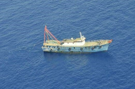 Indonesia sinks 23 foreign fishing vessels hinh anh 1