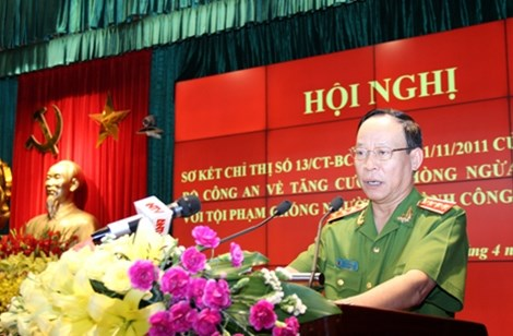 Ministry steps up fighting acts against law enforcement officers hinh anh 1