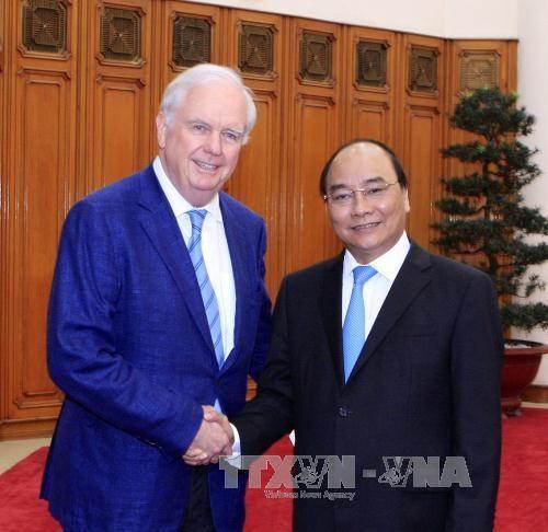 Prime Minister meets Harvard University professor hinh anh 1
