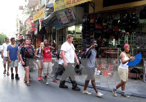 Considerable increase in foreign arrivals to Hanoi hinh anh 1