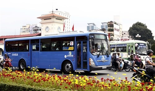 HCM City to issue electronic bus ticket cards hinh anh 1