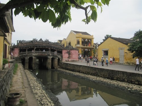 Naha, Hoi An cities agree on eco-city project hinh anh 1