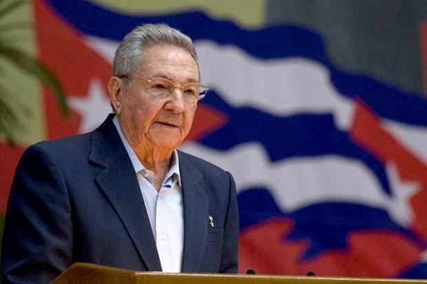 Party leader congratulates Cuban counterpart hinh anh 1