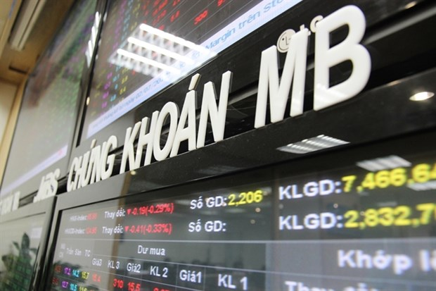 Oil ends markets' losing streak hinh anh 1