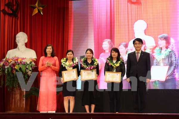 Labour affairs stories awarded hinh anh 1