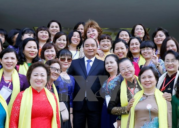 Government leader hails female entrepreneurs' contributions to nation hinh anh 1
