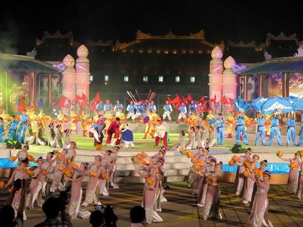 Hue Festival 2016 kicks off hinh anh 1