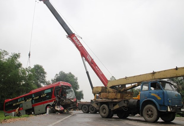 Traffic accidents kill 41 on May 2 hinh anh 1