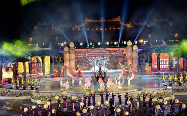 Hue Festival bids farewell to visitors hinh anh 1
