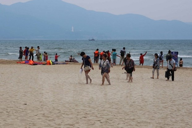 Local tourism authorities urged to ensure food safety for visitors hinh anh 1