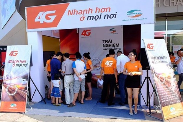 Viettel offers 4G services on large scale hinh anh 1