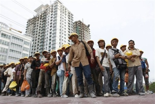 Malaysia: Foreign workers subject to regular health screenings hinh anh 1