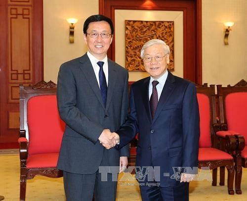 Party leader calls for closer HCM City-Shanghai cooperation hinh anh 1