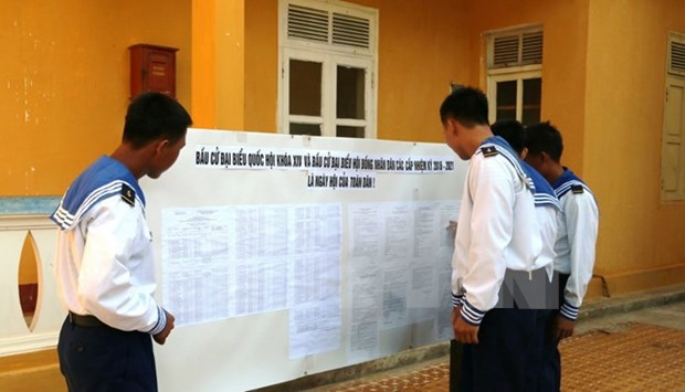 Truong Sa voters hopeful about to-be-elected deputies hinh anh 1