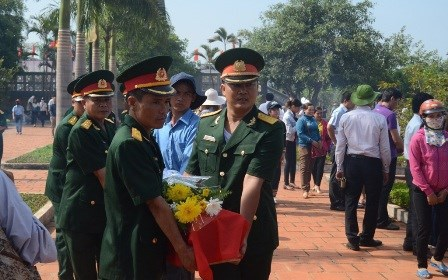 Gia Lai reburies remains of volunteer soldiers found in Cambodia hinh anh 1