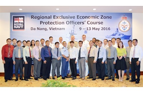 ASEAN officers join training course on protection of EEZ hinh anh 1