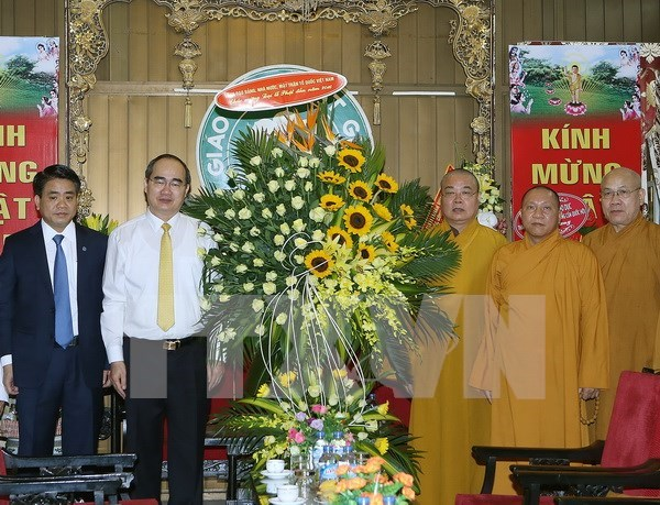 VFF leader extends greetings on Buddha's birthday hinh anh 1