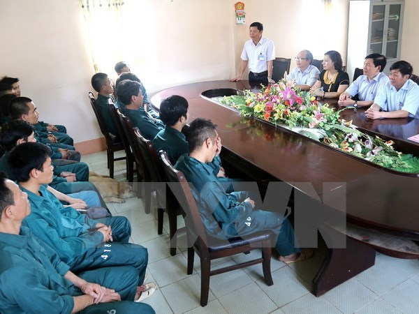 Over 30,000 detainees go to the polls hinh anh 1