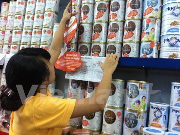 Vietnam to consider removal of ceiling milk price hinh anh 1