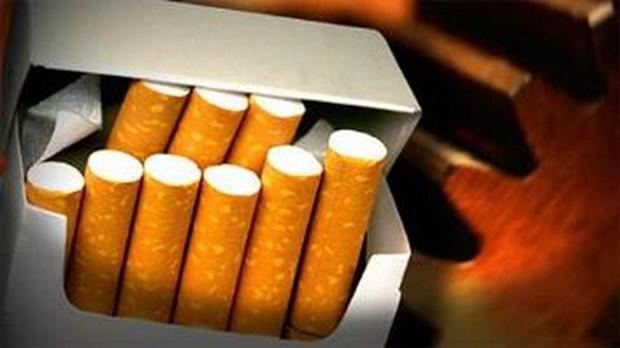 Passive smoking reduces, smoking rate remains high hinh anh 1
