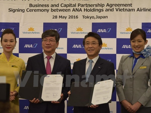 Japan's ANA Holdings become strategic partner of Vietnam Airlines hinh anh 1