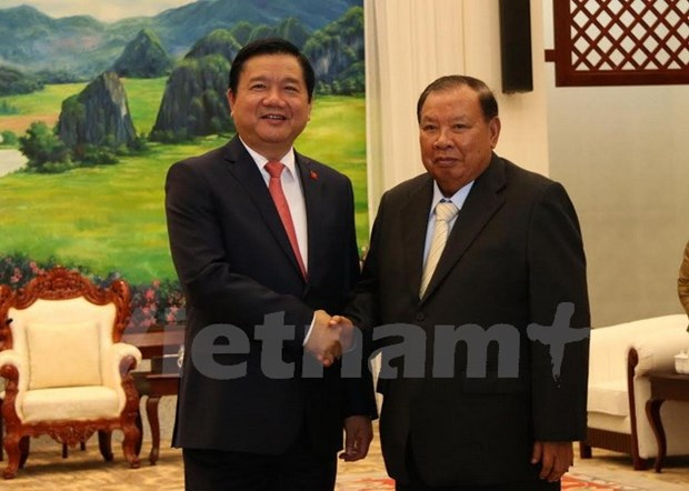 Ho Chi Minh City's Party chief visits Laos hinh anh 1