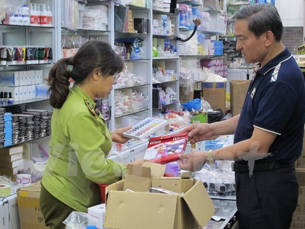 Deputy PM urges to double effort to fight smuggling hinh anh 1