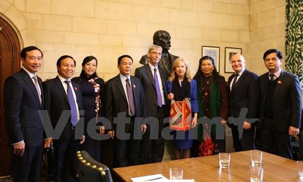 Vietnam, UK enhance legislative ties hinh anh 1