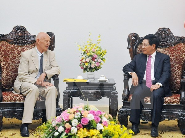 Special envoy of Swedish PM welcomed in Hanoi hinh anh 1