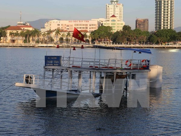 Da Nang takes legal actions against boat capsize case hinh anh 1