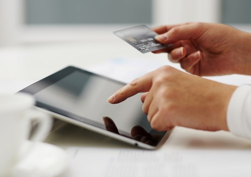 E-payments booming in Vietnam hinh anh 1