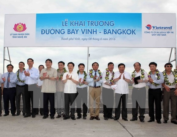 Air route linking Vinh to Bangkok launched hinh anh 1