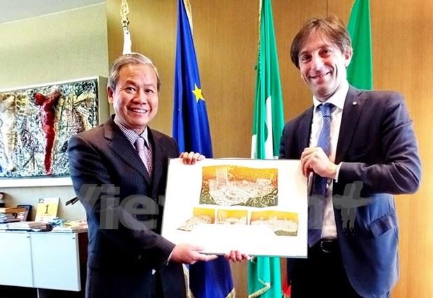 Vietnamese, Italian localities beef up economic ties hinh anh 1
